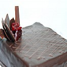 Torta de panqueque chocolate y guinda